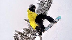 Snowboard & Ski Rentals at Sportsmen's Den